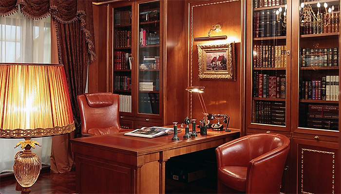 кабинет в красных тонах