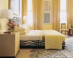светло-желтая спальня
